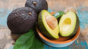 Diferença entre o abacate e o avocado e seus benefícios